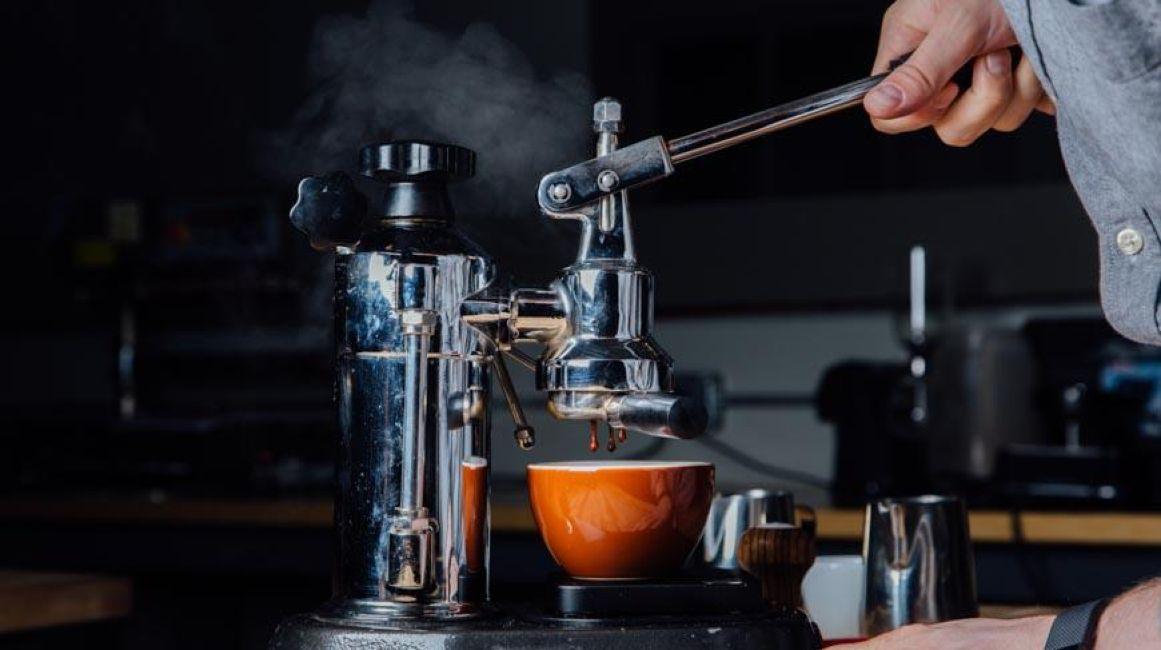 Cà phê pha máy Espresso là gì?