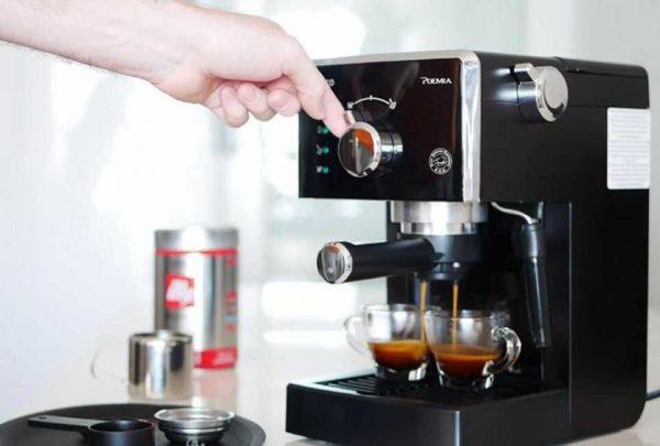 Những dụng cụ pha chế cà phê take away cần thiết